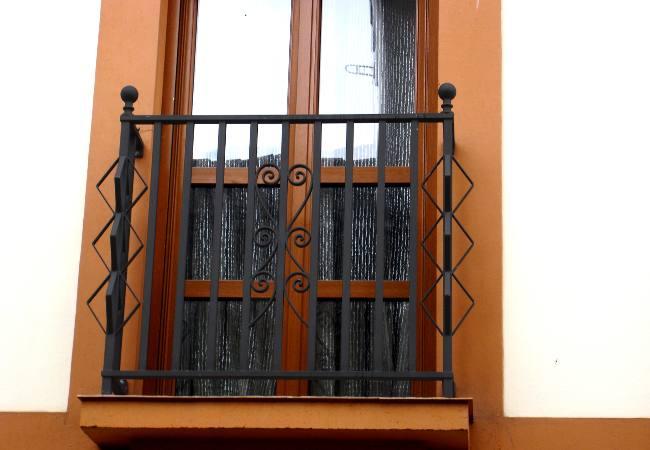 Puertas para balcones puertas para viviendas carpintera - Puertas para viviendas ...